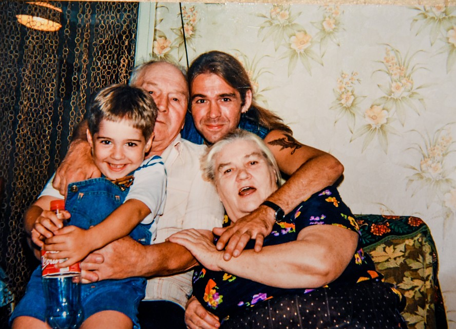 Муж разрешил жени переспать с их сыном