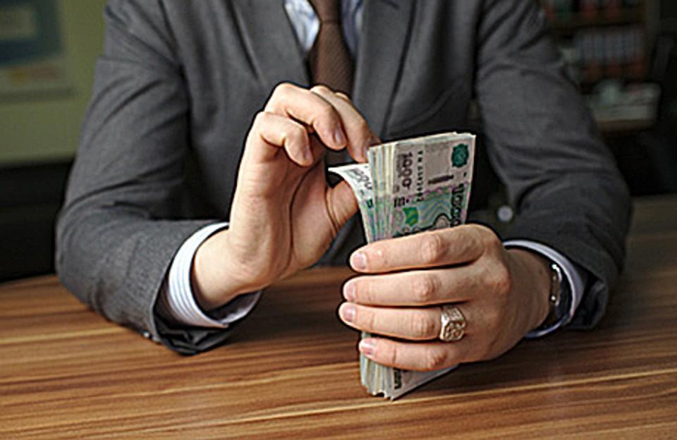 Саратовские коррупционеры стали брать только крупные взятки
