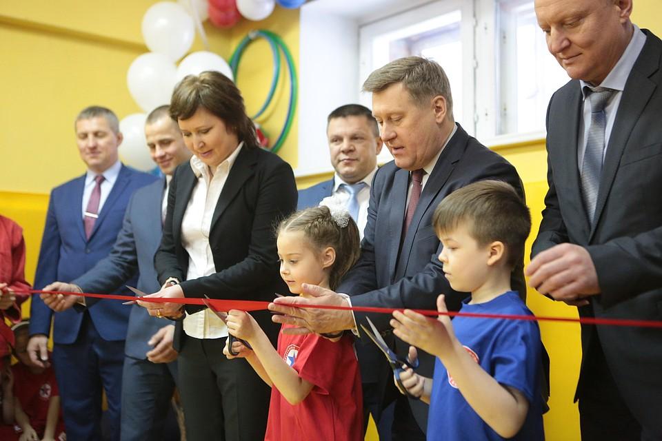 Открывал спортзал мэр Новосибирска Анатолий Локоть. Фото: пресс-центр мэрии Новосибирска