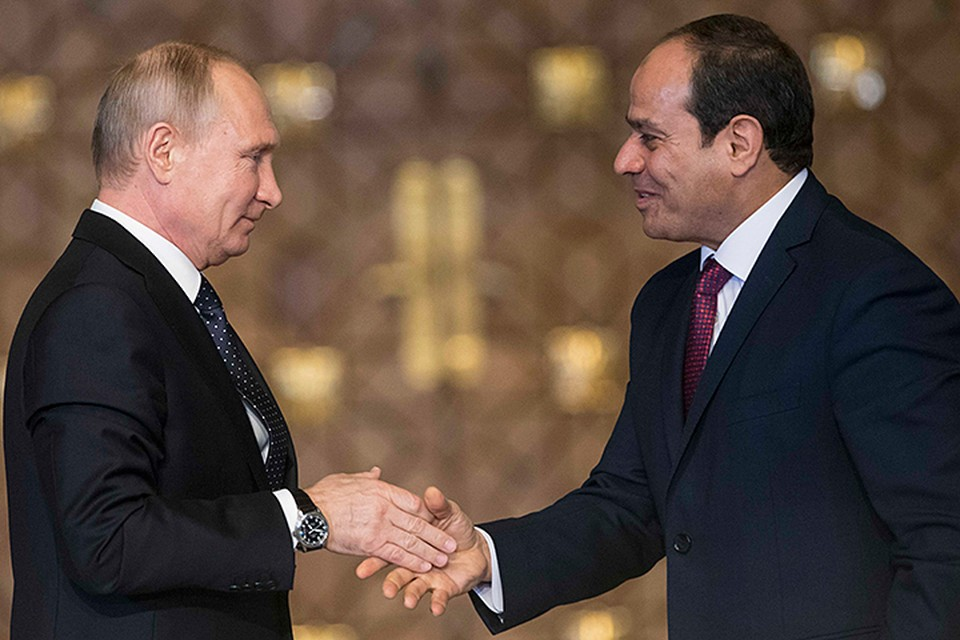 Президент РФ Владимир Путин 11 декабря посетил Каир и встретился со своим египетским коллегой Абдельфаттахом ас-Сиси