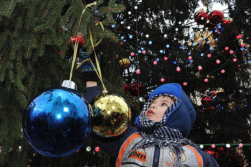 Традиция украшать под Рождество елку пришла в Россию при Николае I