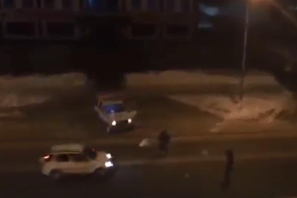 На Сахалине полицейские пытались задержать угонщика снежками и пулями