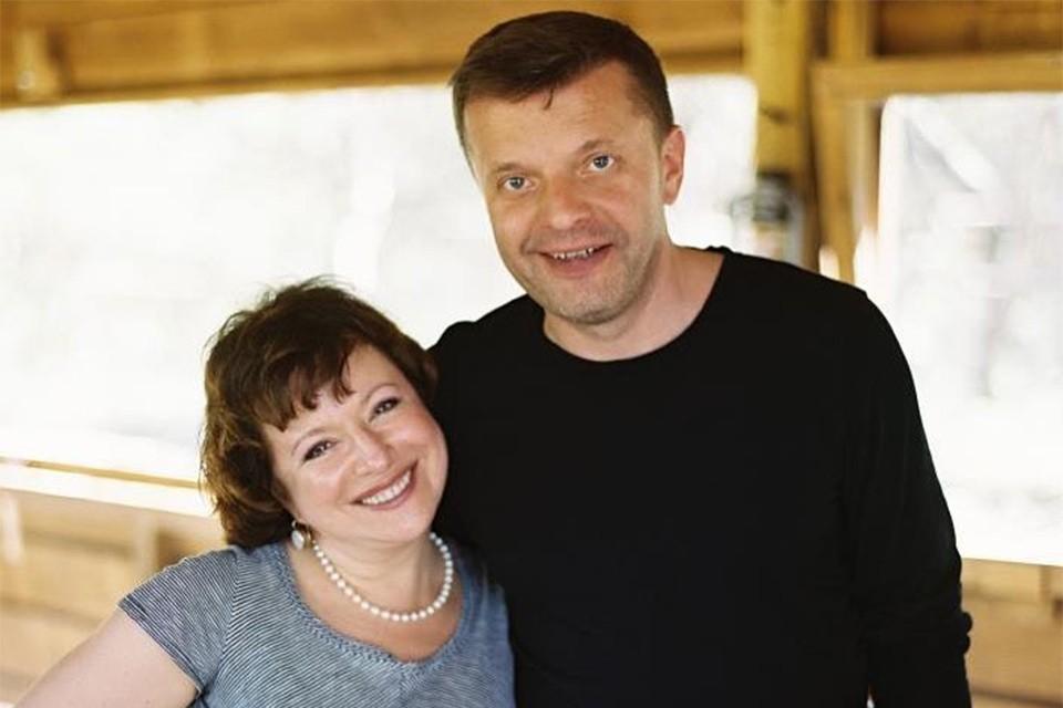 Леонид Парфенов с супругой Еленой стали дедушкой и бабушкой.