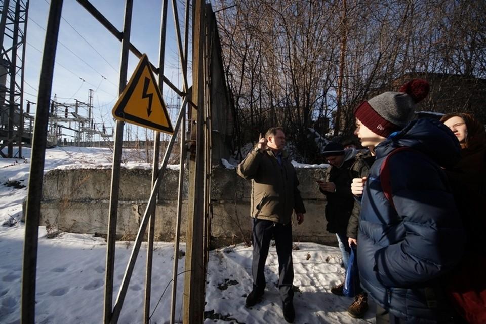 В опасную зону посторонним вход воспрещен, предупреждает Олег Стаканчиков