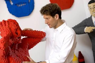 100 фигур из LEGO: в Минске открывается выставка «Искусство Лего»