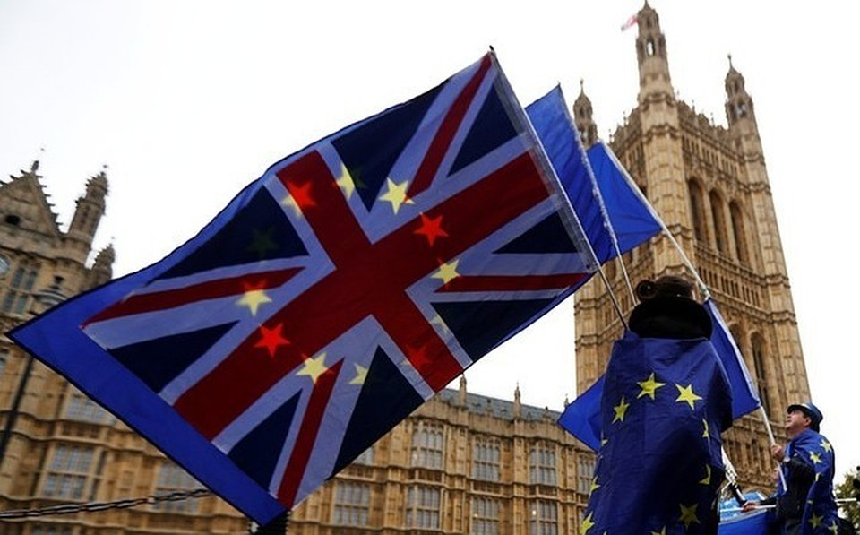 Еврокомиссия опубликовала проект соглашения о выходе Великобритании из ЕС