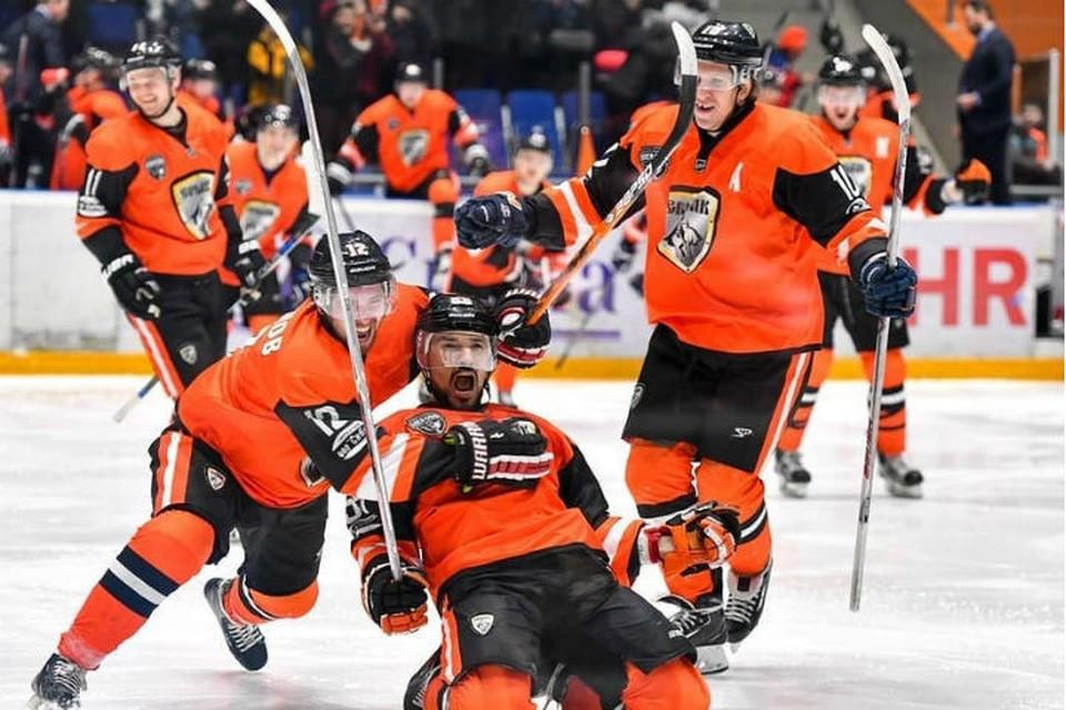 В этом сезоне ангарские хоккеисты набрали рекордное количество очков и наконец преодолели стадию 1/8 финала. Фото: Татьяна ГЛЮК.