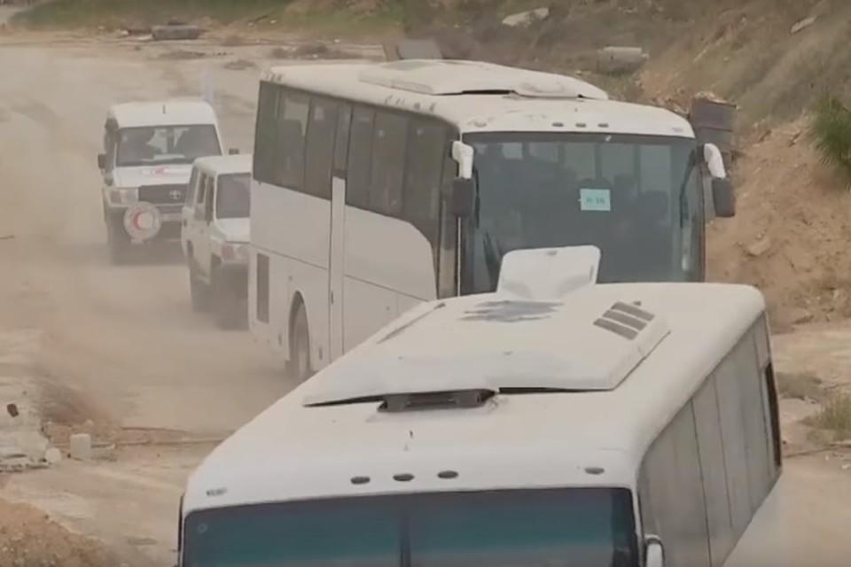 Минобороны РФ опубликовало видео выхода боевиков из Восточной Гуты