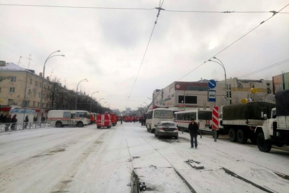 Родственники опознали 23 погибших при пожаре в кемеровской «Зимней вишне»