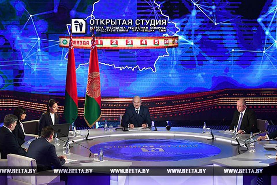 10 апреля Лукашенко встречается с представителями государственных СМИ. Фото: БелТА.