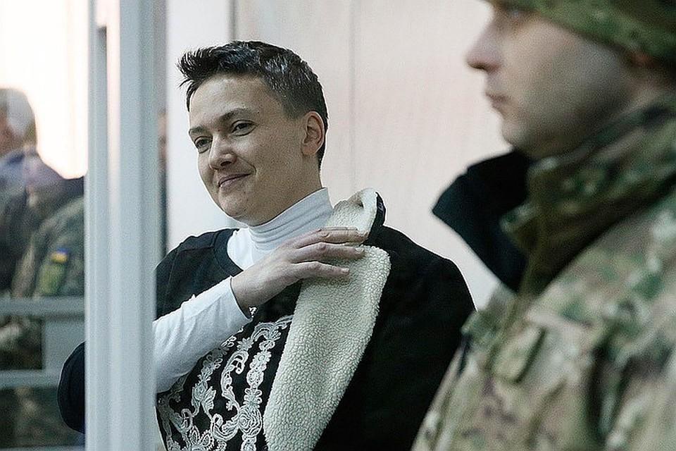 Сразу после заключения под стражу Надежда Савченко объявила голодовку