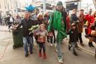 Филипп Киркоров с детьми приехал в Санкт-Петербург на поезде