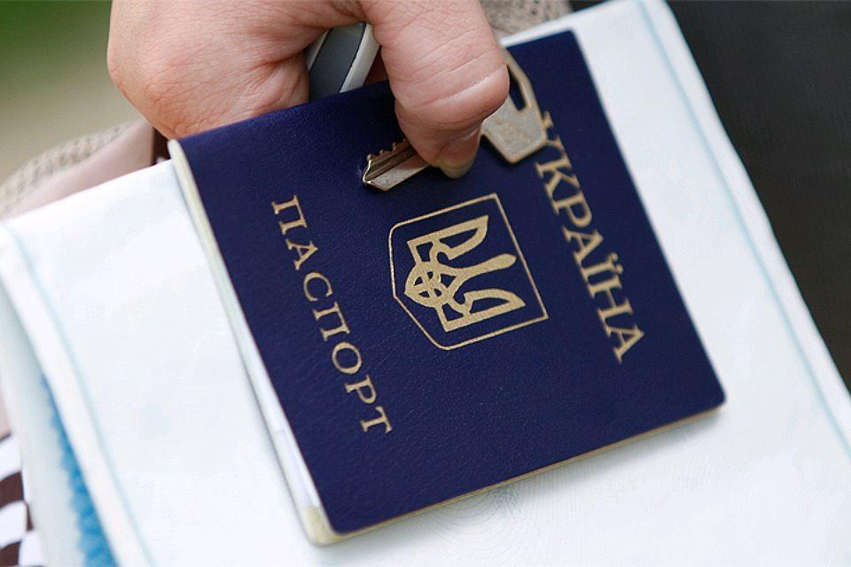Порошенко отметил ценность украинского паспорта