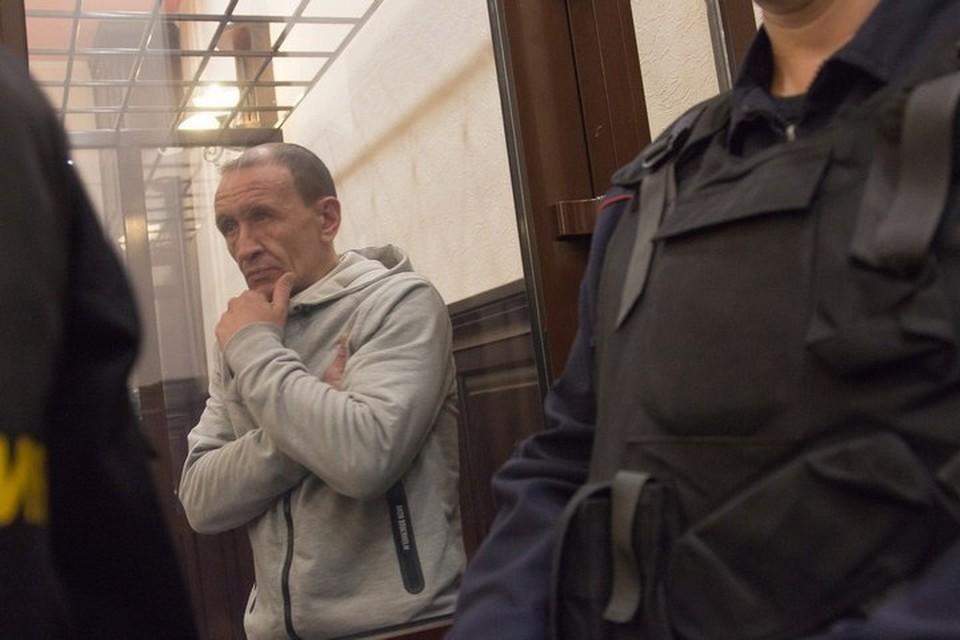 """Тушивший """"Зимнюю вишню"""" в Кемерове командир пожарного звена останется под арестом"""
