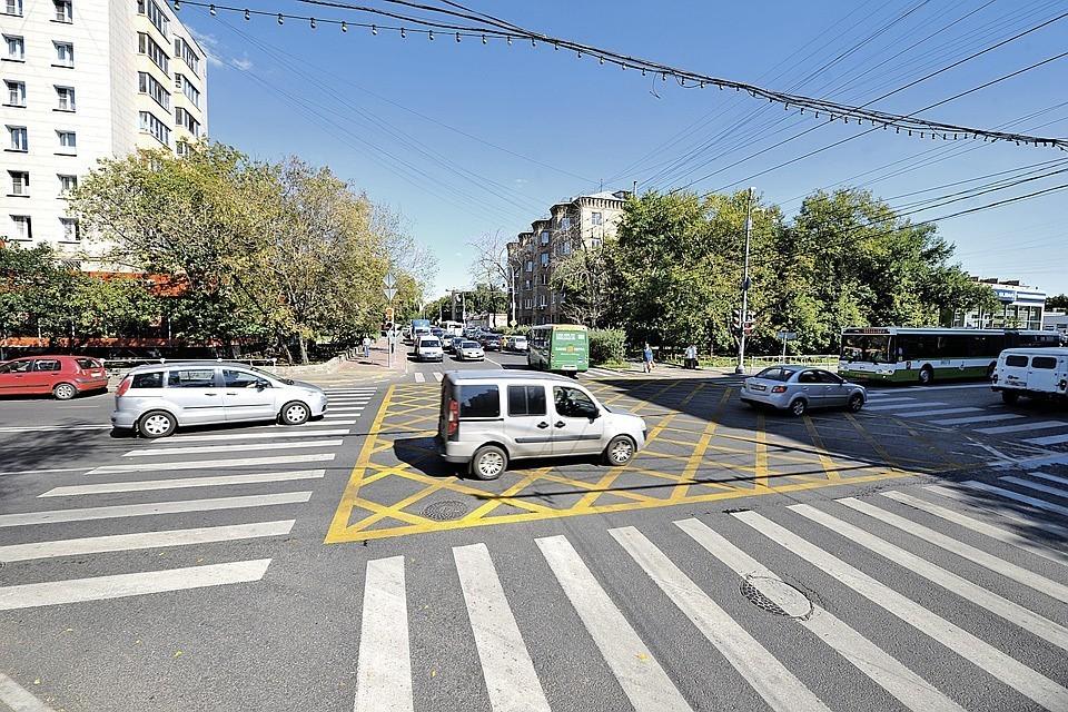 """""""Вафельная"""" разметка изначально наносилась на улицах Москвы в качестве эксперимента"""