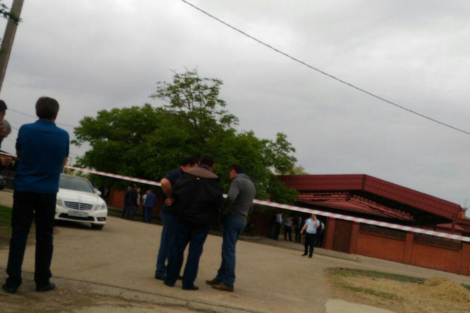 Дом родителей Мурата Ахеджака оцеплен