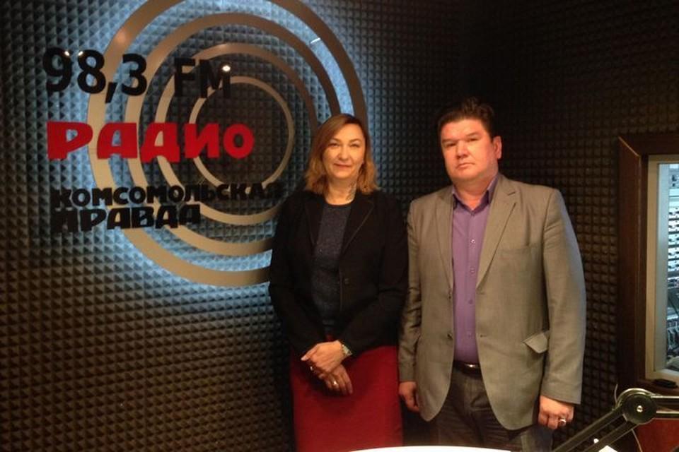 Александр Полковников и Светлана Тарасюк ответили на вопросы радиослушателей. Фото: Дмитрий ЧЕЧУРОВ.