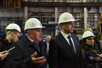 Андрей Травников посетил Машиностроительный завод «Труд», оценил продукцию и встретился с рабочими