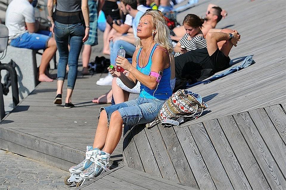 """В Москве продлили """"жёлтый"""" уровень погодной опасности до 28 июня из-за высокой пожароопасности"""