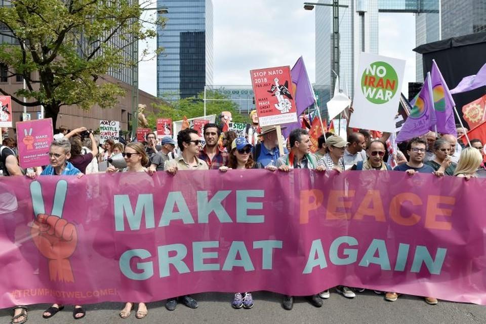 Марш протеста против НАТО и милитаризации в Европе