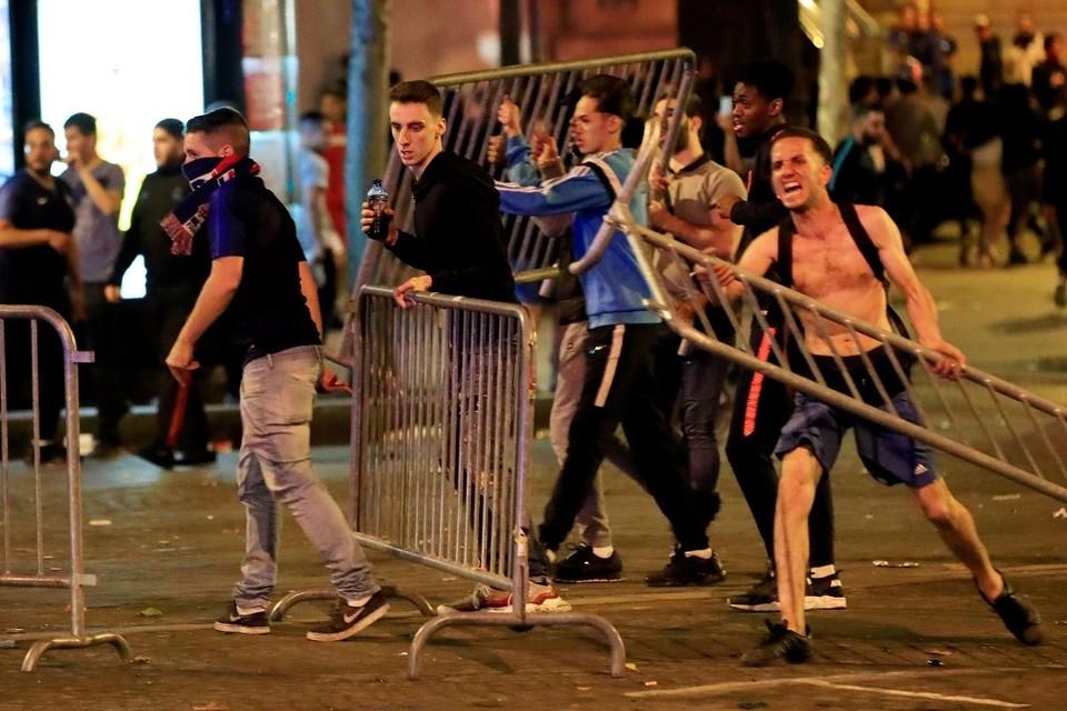 В Брюсселе фанаты подрались с полицейскими после проигрыша национальной сборной на ЧМ 2018