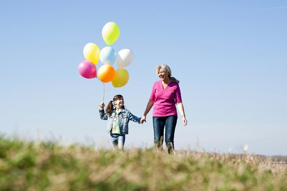Когда вы отдаете бабушкам и дедушкам своего ребенка, он попадает с одной планеты на другую.