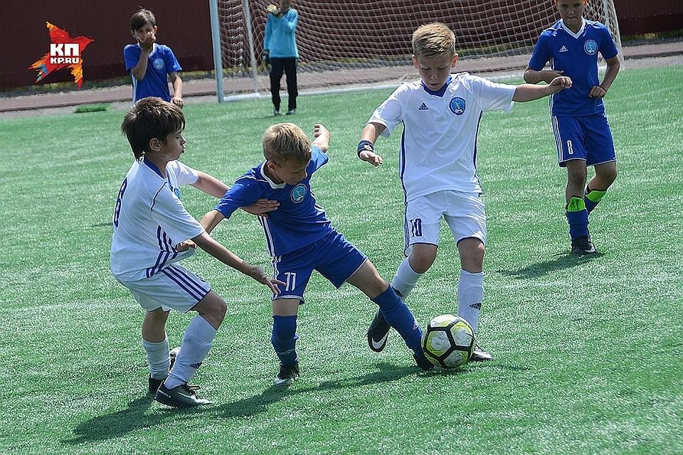 Детские футбольные клубы и школы Севастополя 2018  куда записать ребенка 1d37363d682