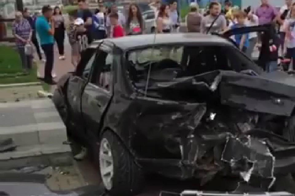 В волжском молодая семья попала в аварию