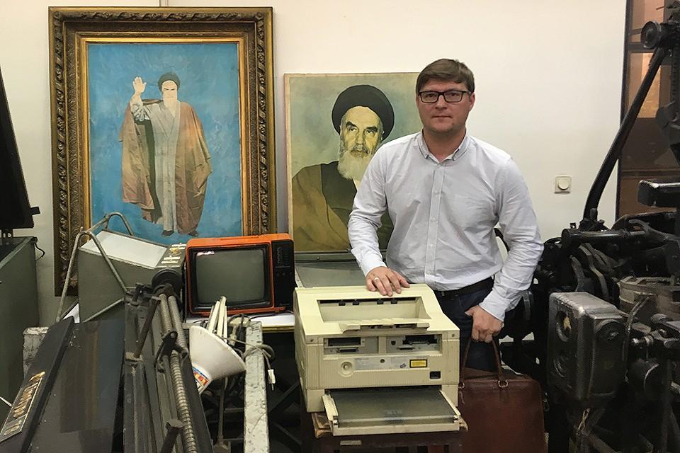 Наш обозреватель Валерий Рукобратский отправился в Иран, чтобы понять как уже десятки лет эта страна живет под жесточайшими американскими санкциями - и все равно остается мощнейшей в регионе
