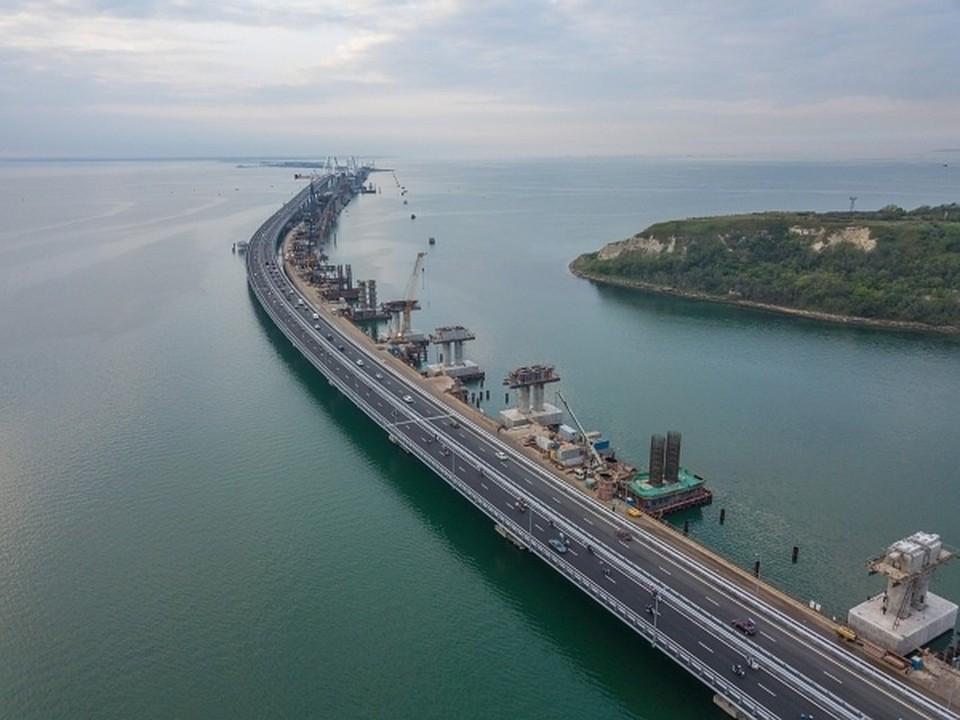 Киев готовит санкции против 19 российских компаний из-за Крымского моста