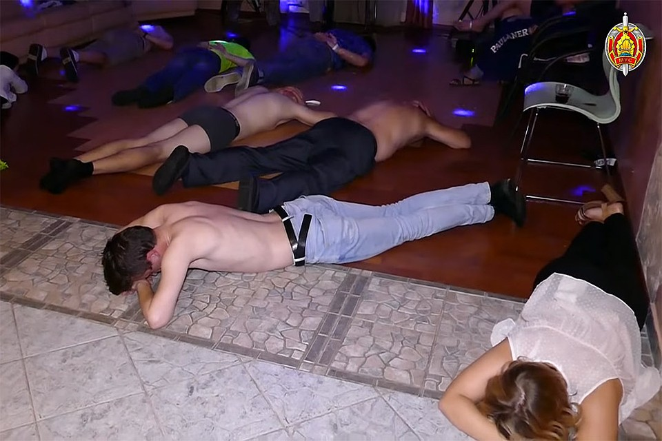 Закрытые секс вечеринки известных артистов