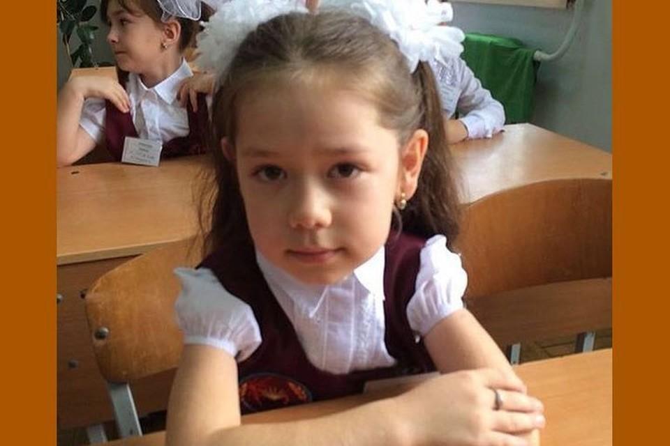 """Калимат Омарова на """"отлично"""" закончила 2-й класс."""