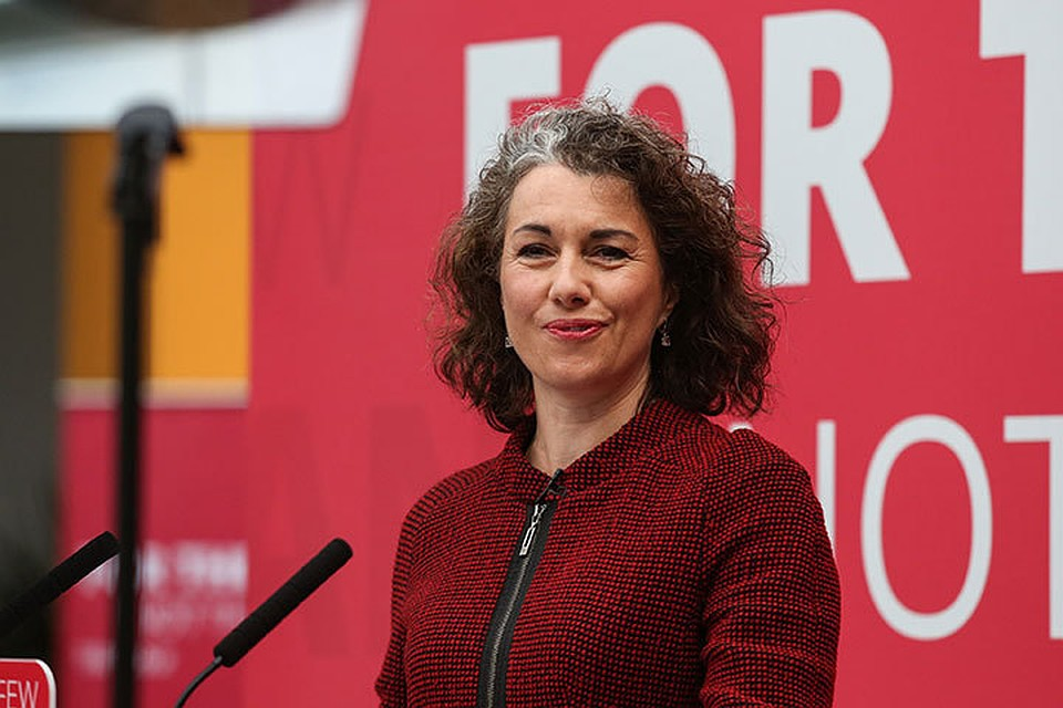 Сара Чемпион, депутат британского парламента