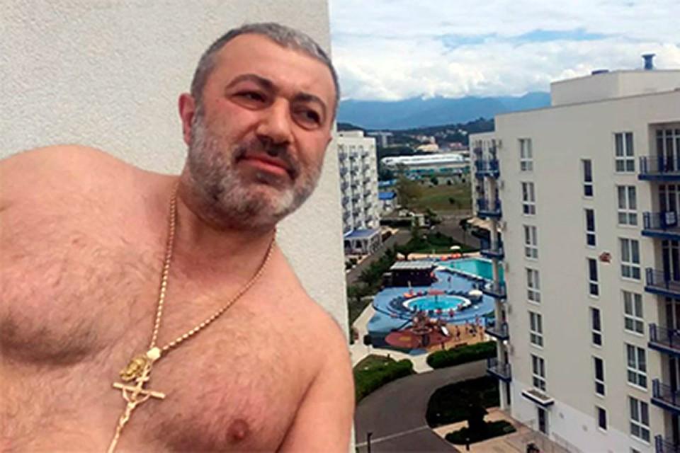 Хачатурян часто ездил по зонам, привозил «взгрев» для заключенных - сигареты, продукты, деньги