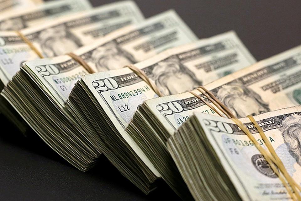 Пока россияне относятся к баксу как к надежному средству сбережений, они будут его покупать
