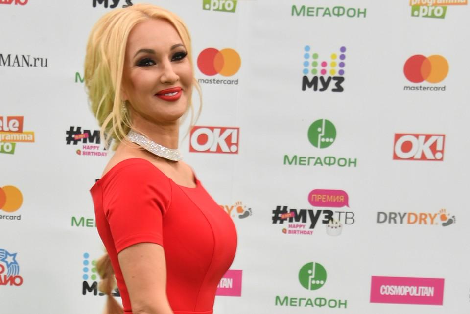 Выписка Леры Кудрявцевой прошла без вспышек фотокамер.