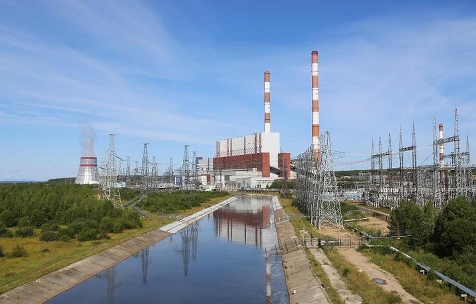 В Белоозерске «Мерседес» вылетел в канал ГРЭС, водитель погиб. Фото: http://irao-engineering.ru