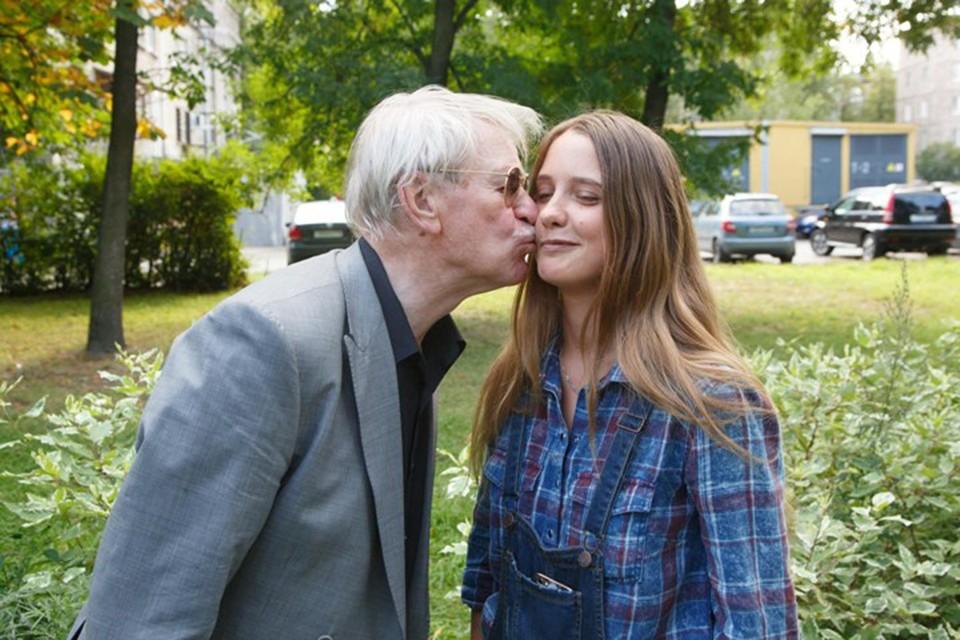 Молодая жена Ивана Краско Наталья пока не отказывается от участия в скандальных ток-шоу.
