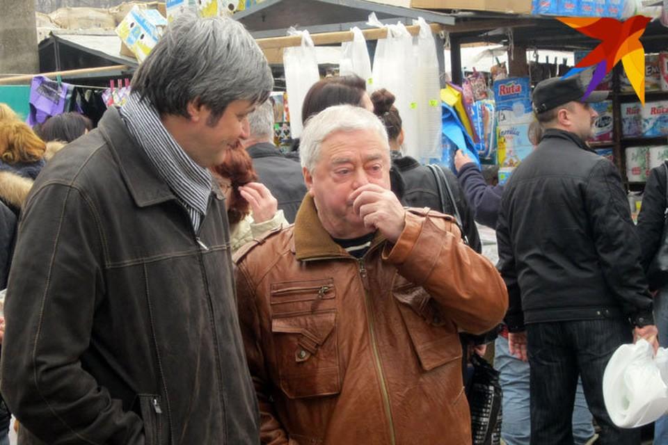 На Центральном рынке звездный гость высматривал типажи, которые мог бы использовать в своих будущих номерах.