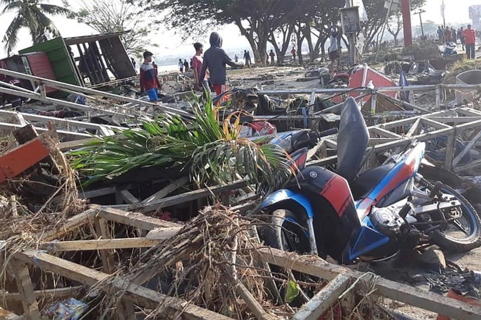 Землетрясение и цунами в Индонезии унесли жизни 1 424 человек