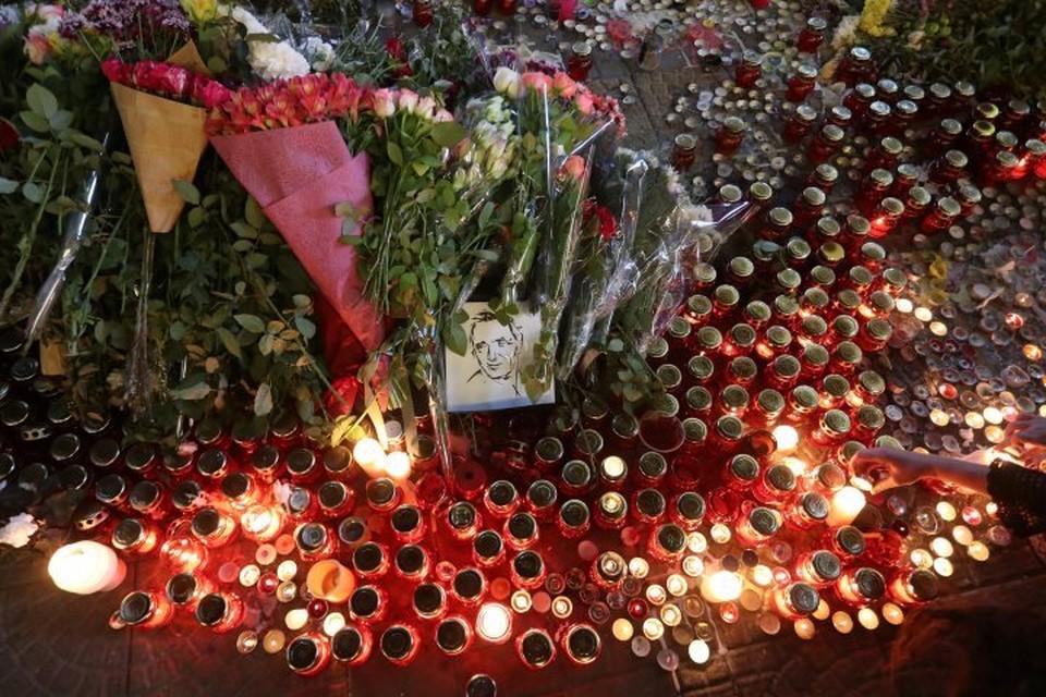 Похороны Шарля Азнавура прошли на кладбище близ Парижа