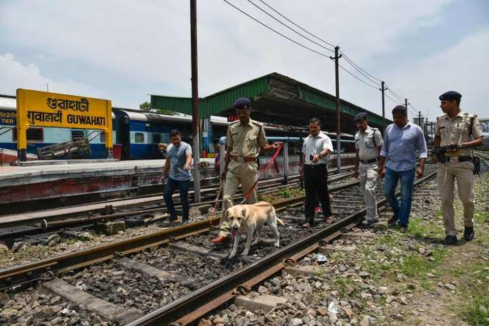Полиция выясняет причины и обстоятельства железнодорожной аварии