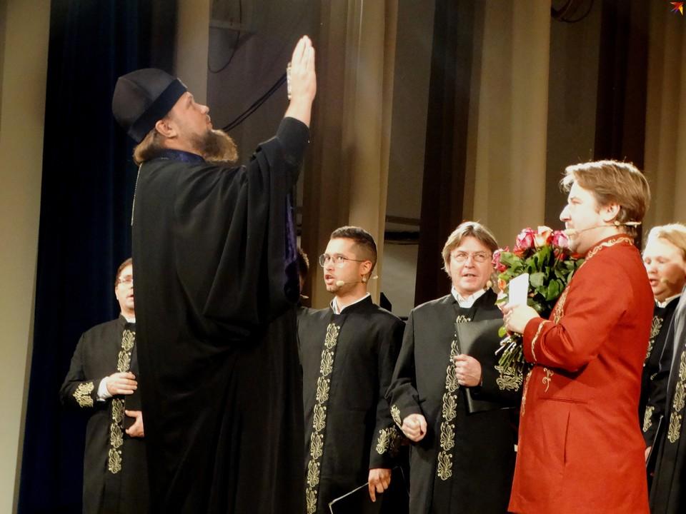 Владыка Питирим благословил и зрителей, и солистов