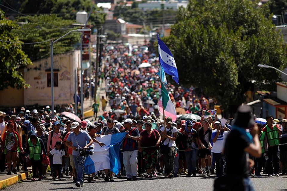 Сейчас караван пересек границу Гватемалы и Мексики и превратился уже во внушительную силу