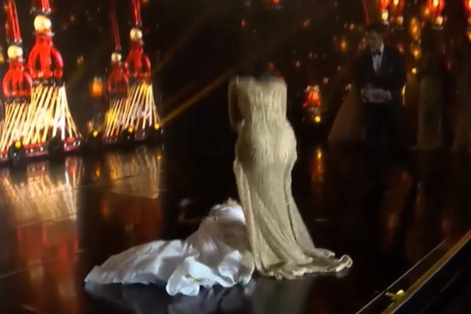 Победительница конкурса красоты рухнула в обморок прямо на сцене