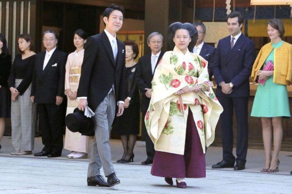 Японская принцесса Аяко вышла замуж за 32-летнего сотрудника судоходной компании «Ниппон Юсен» Кэя Мориту