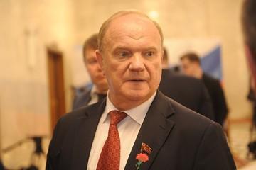 Геннадий Зюганов: Мы на комсомольских субботниках заработали столько, что вооружили две вьетнамских дивизии, чтобы они американцев отправили в нокаут