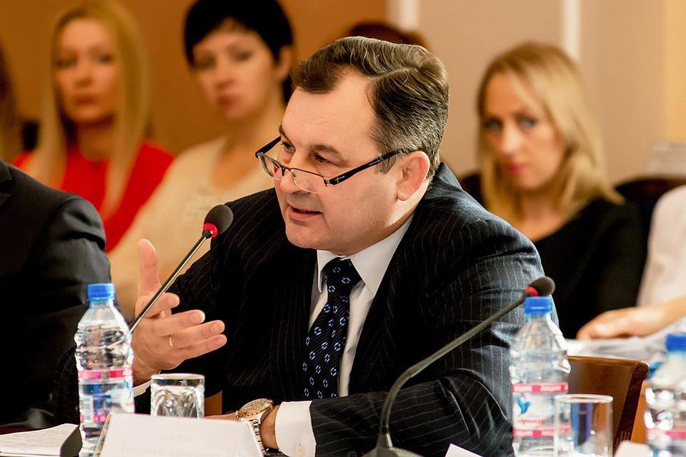В сфере ритуальных услуг местным властям нужно действовать в соответствии с посланием Президента России. Только так можно сделать отрасль более эффективной, более прозрачной и исключить те негативные моменты, с которыми мы все сталкиваемся.