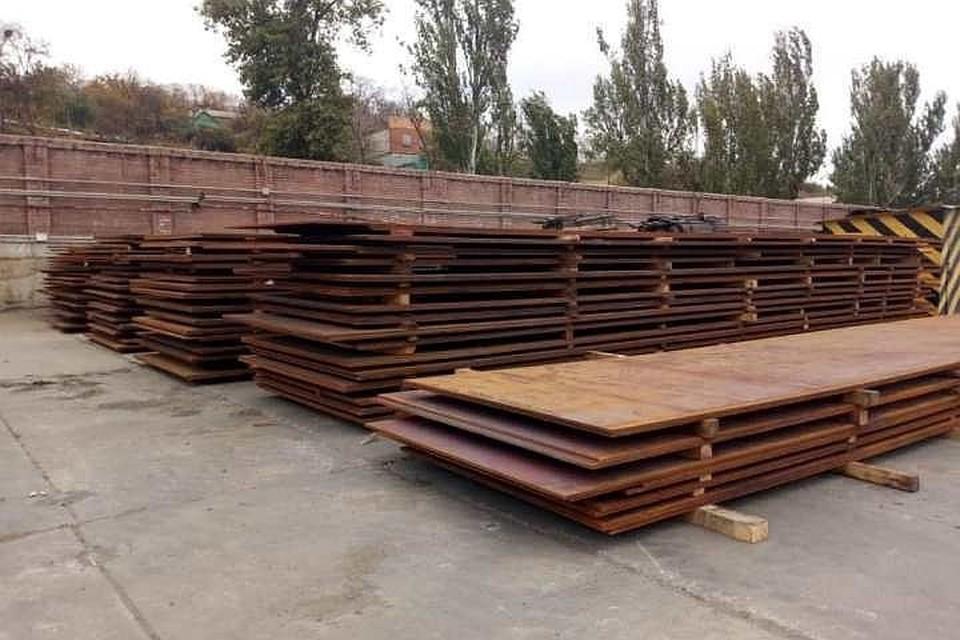 В порту Мариуполя арестовали продукцию Алчевского металлургического комбината. Фото: facebook.com/@LlutsenkoYuri