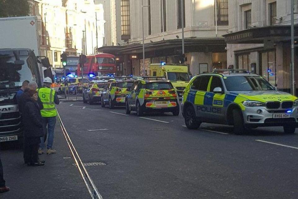 Район происшествия в настоящее время оцеплен полицией. Фото: twitter.com/@tonydoylej